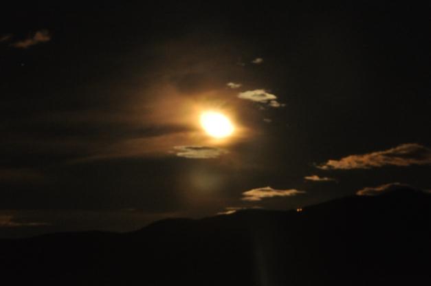 Fantastica Luna, tu che ci guardi da lassù....